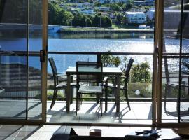 Sails Luxury Apartments Merimbula, hotel in Merimbula