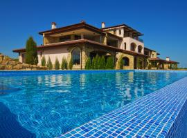 Club Residence at BlackSeaRama Golf, hotel in Balchik