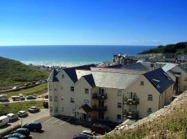 Beachcombers Apartments, hotel near Newquay Cornwall Airport - NQY,