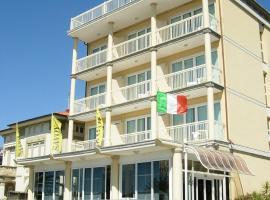Savoy Hotel, hotel in Marina di Pietrasanta
