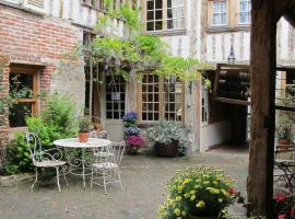 Chambres d'Hôtes A L'ecole Buissonniere, hotel in Honfleur