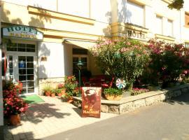 Hotel Baross, отель в Дьёре
