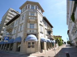 Hotel Villa Bernt, hotel in Grado