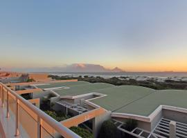 Dolphin Beach H104 by AirAgents, apartment in Bloubergstrand