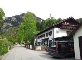 Landhaus Nina, hotel near Neuschwanstein Castle, Schwangau