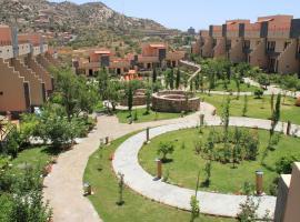 Al Wadi Touristic Resort, villa in Ash Shafa