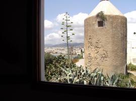 Hostal Marblau, hotel near Ibiza Cathedral, Ibiza Town