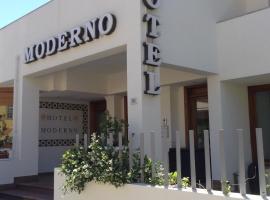 Hotel Moderno, отель в Ольбии
