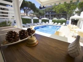 Hotel Els Pins, hotel near Everest Costa Brava, Platja d'Aro