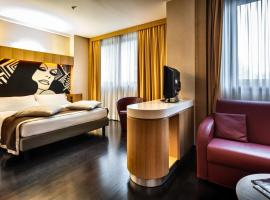 Crowne Plaza Milan City, hotel near Bosco Verticale, Milan