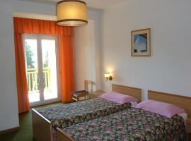 Hotel Terminus, hotel near Terme of Levico and Vetriolo, Levico Terme