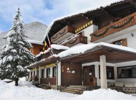 Hotel Bucaneve, hotel a Moena