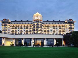 Hôtel Royal, hôtel à Évian-les-Bains