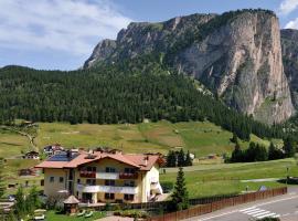Garni Hotel Bel Vert, hotel in Selva di Val Gardena