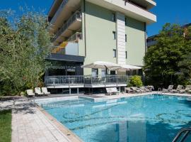 Hotel Gabry, hotel in Riva del Garda