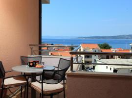 Apartments Vila Adrijana & Fitness Studio WOLF, hotel in Baška Voda