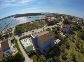 Apartment Lux More, hotel blizu znamenitosti peščena plaža Bijeca, Medulin