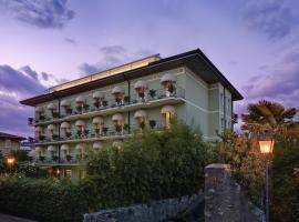 Hotel San Pietro, hotel in Bardolino