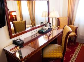 Hotel Holiday Park, hotel with jacuzzis in Warsaw