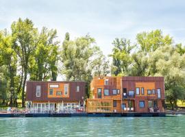 ArkaBarka Floating Hostel, hostelli Belgradissa