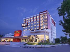 Hotel Santika Palu, отель в городе Палу