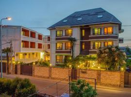 Апартаменты на Тюльпанов 6, budget hotel in Adler