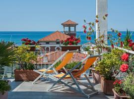 Hotel Scandinavia, hotel in Marina di Massa