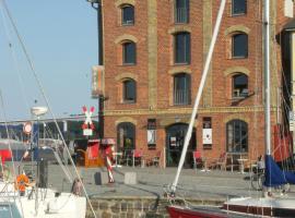 Hotel Alter Hafenspeicher, Hotel in Stralsund