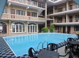 Oasis Beach Resort, hotel in Negombo