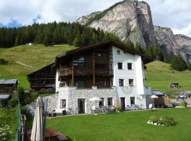 Cedepuent de Sot, apartment in Selva di Val Gardena