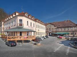 Hotel Podhrad, hotel v Hluboké nad Vltavou