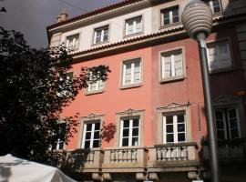 Saboresgelados Alojamento Local, quarto em acomodação popular em Braga
