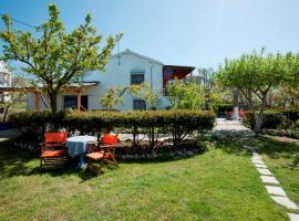 Aiolis Rooms, budget hotel in Kamariotissa