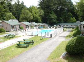 Lincoln Log Colony, resort in Lake George