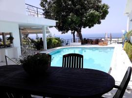 Donde Mira el Sol HOTEL RETIRADO Y ESPACIOSO CON CONDICIONES IDEALES PARA PASAR LA CONTINGENCIA CON LA MAYOR SEGURIDAD, hotel in Acapulco