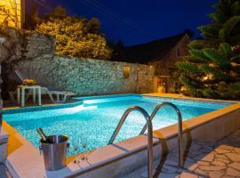 Apartments Kralj, hotel near Underwater Museum Cavtat, Cavtat