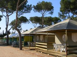 Camping Relax Sol, glamping site in Torredembarra