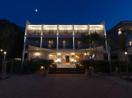 Hôtel L'Amiral, hôtel à L'Île-Rousse près de: Phare de la Pietra