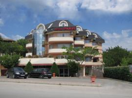 Paris Hotel, hotel in Balchik
