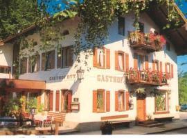 Gasthof Zum Ott, homestay in Staudach-Egerndach