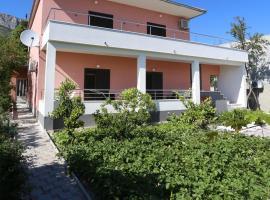 Apartment Fila i Jure, hotel near Salona Archeological Park, Solin