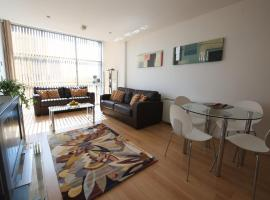 Stay Deansgate Apartments for 14 nights plus, hotel near Opera House Manchester, Manchester