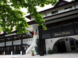 Hotel Cornul Vanatorului, hotel in Piteşti