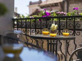 Downtown Hostel, hotel in Split