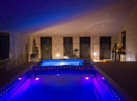Cal Barber, hotel a prop de PortAventura, a Botarell