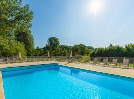 Lagrange Vacances Les Bastides de Lascaux, self catering accommodation in Montignac