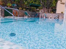 Hotel Villa Sarah, отель в Капри