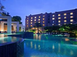 Radisson Blu Plaza Delhi Airport, spa hotel in New Delhi
