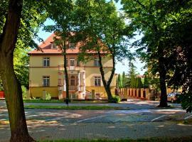 Willa Pod Różami, hotel in Inowrocław