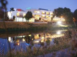 Hotel River, hotel in Nitra